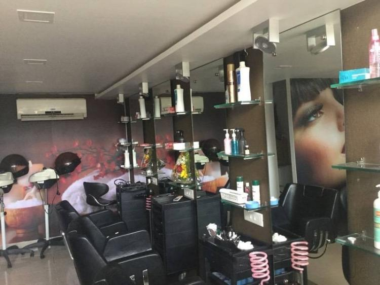 beyond-beauty-salon