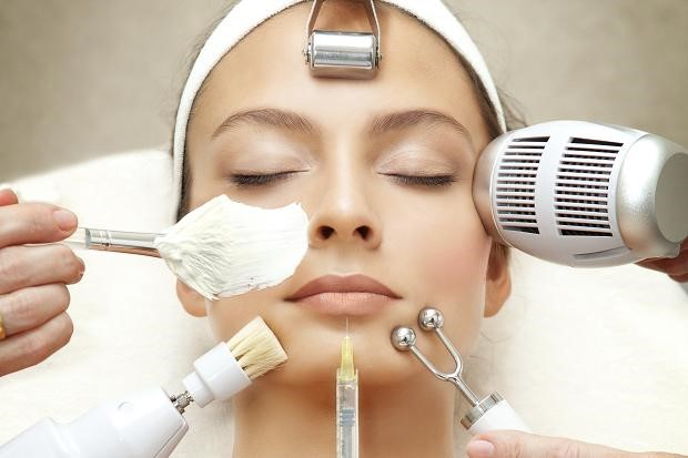 Facials For Glowing Skin In Parlor
