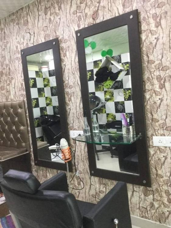 flaunt-hair-makeup-studio-gurgaon-sector-49