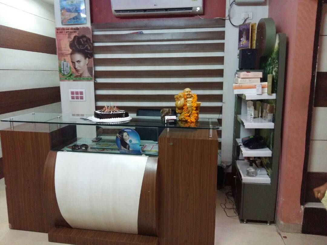 femina-beauty-parlour-gurgaon-sector-56