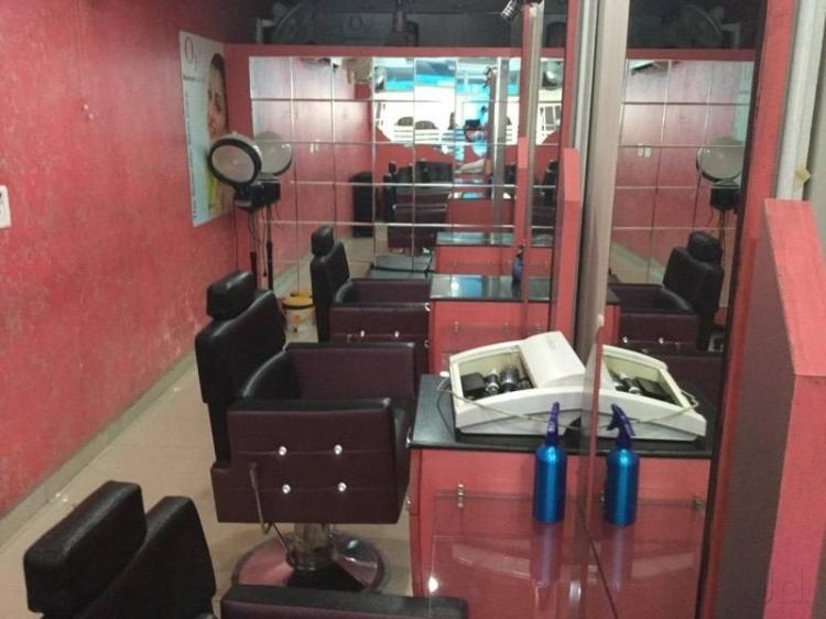 scissors-mirror-unisex-salon-gurgaon-sector-14