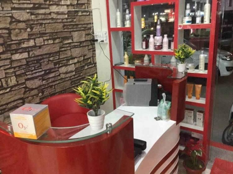 7-one-hair-line-unisex-salon-gurgaon-sector-49